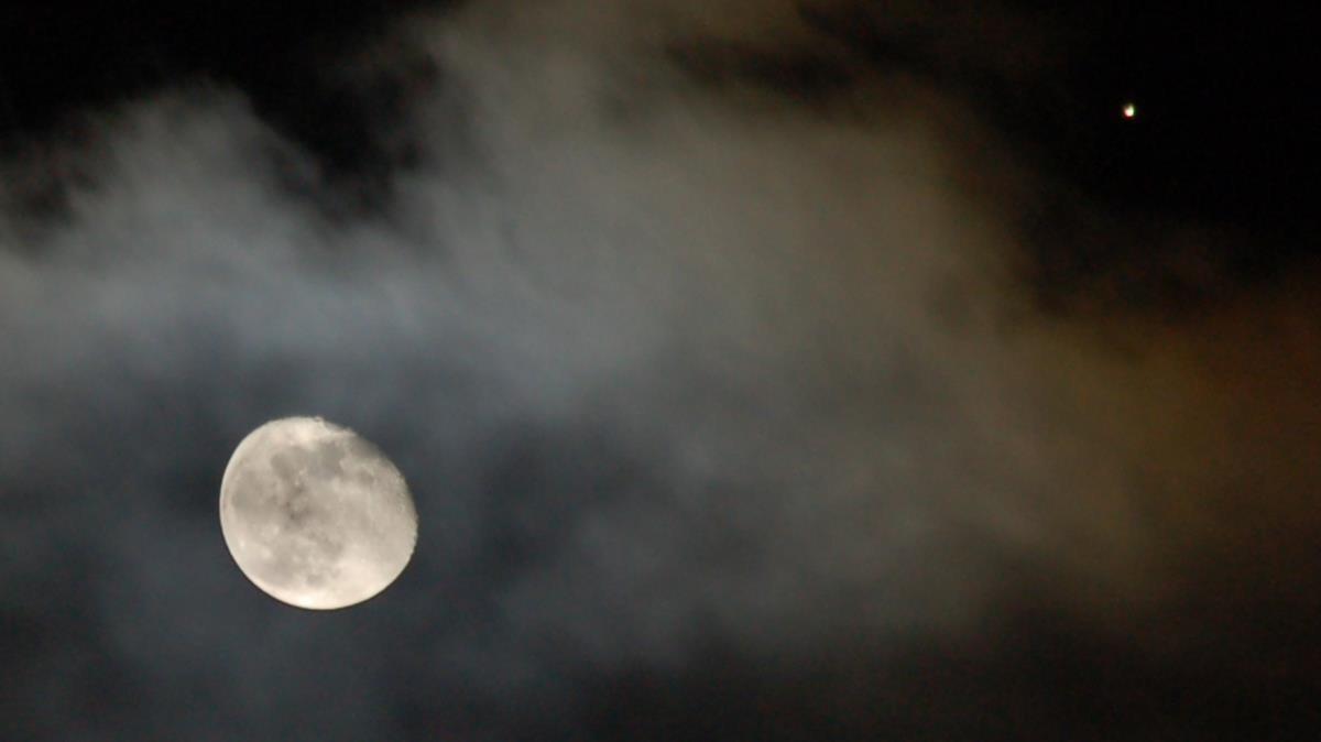 Vistas de Luna y Marte