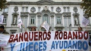Manifestación frente a la sede del Tribunal Supremo en Madrid.