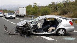 Mor el conductor d'un turisme al xocar amb una furgoneta al Perelló