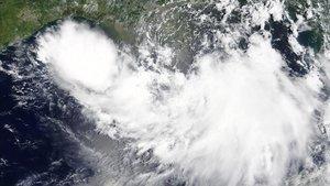'Barry' s'acosta a Louisiana, a punt de convertir-se en huracà