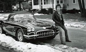 Bruce Springsteen, con su Corvette en Haddonfield, Nueva Jersey.