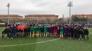 El Zhejiang Greentown de Sergi Barjuán, con el juvenil del Barça en la ciudad deportiva Joan Gamper el pasado mes de febrero.