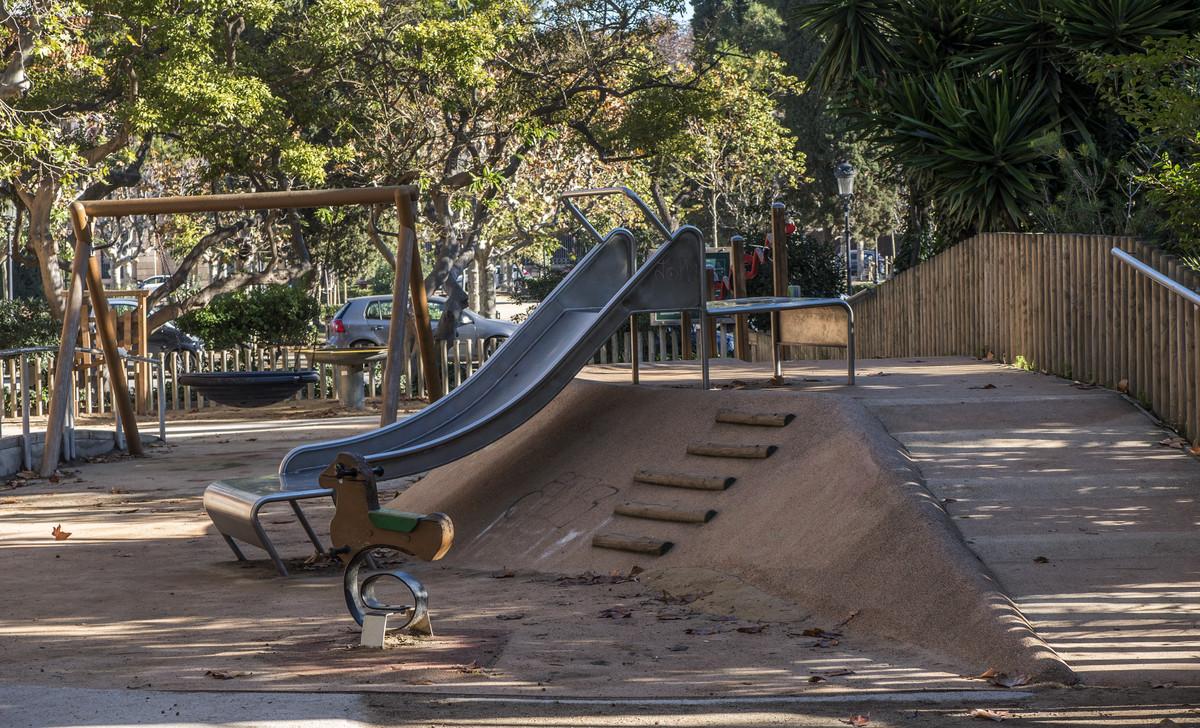 Barcelona Suspende En Parques Para Ninos Con Discapacidad