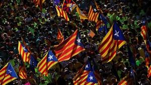 rjulve40063472 esteladas catalan separatist flags wave in the air as thou170911204850