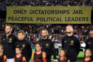 Polèmica pancarta en el Barça-Inter