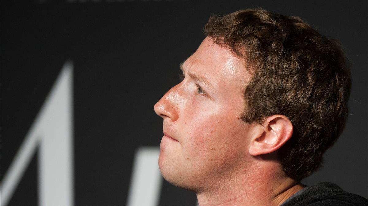 Facebook admet recopilar informació fins i tot de no usuaris