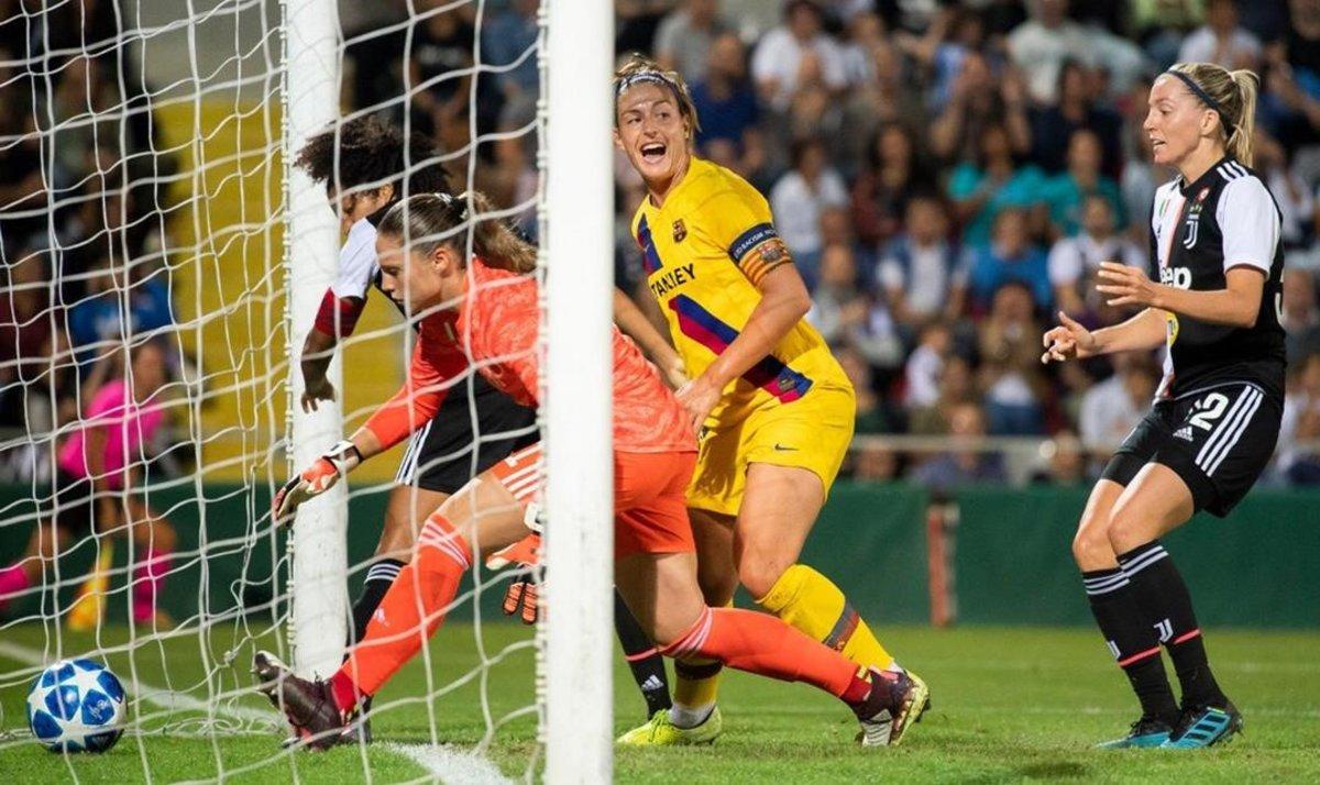 Alexia Putellas celebra el gol que acaba de marcar a la Juventus en su pugna con Gama.