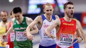 Álvaro de Arriba celebra su victoria en la carrera de 800 metros que le convierte en el campeón de Europa.