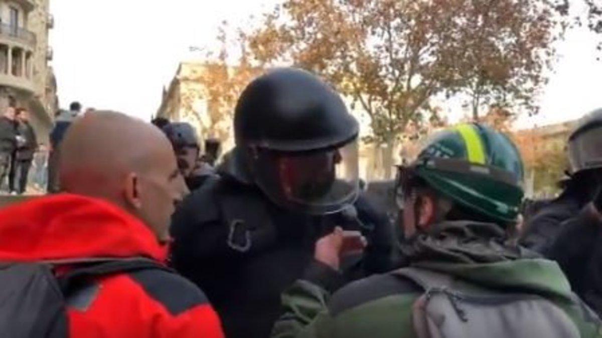 Captura del vídeo del Mosso y el CDR.