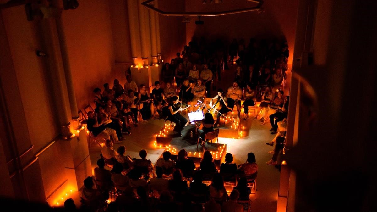 Concierto de 'Candelight': música clásica entre velas y 'millennials'.
