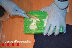 Desmantellat un pis del barri de Sant Antoni de Barcelona on s'emmagatzemava coca