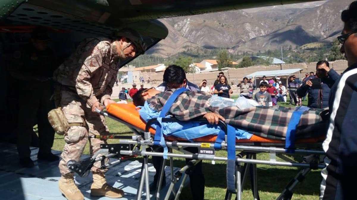 Diez muertos al consumir comida contaminada en un funeral en Perú.