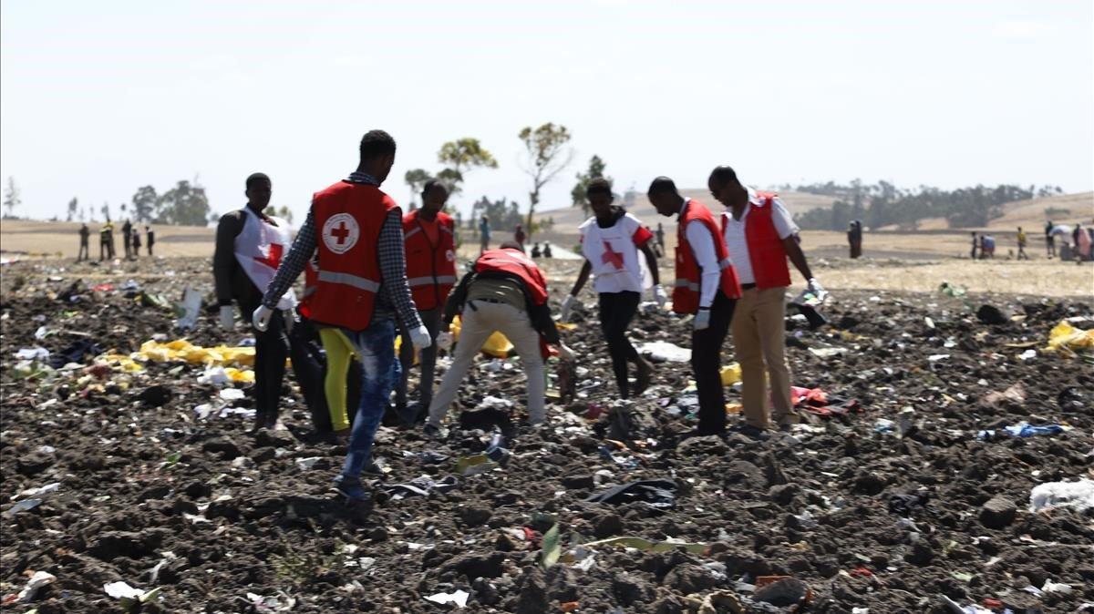 Dos espanyols entre les 157 víctimes a l'estavellar-se un avió a Etiòpia