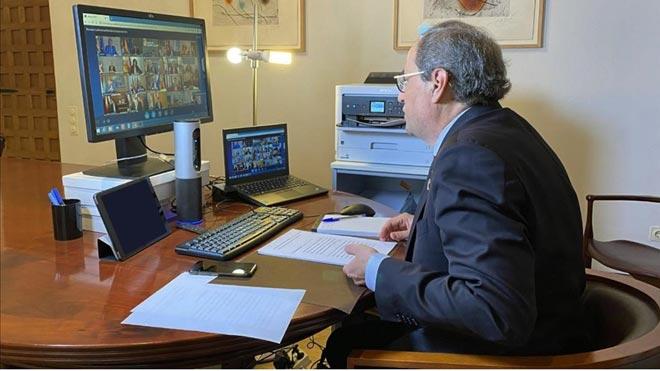 La Generalitat alega que no toma medidas drásticas porque lleva unacamisa de fuerza, como ha explicado el 'conseller' de Interior, Miquel Buch. En la foto, el 'president' Quim Torra durante la reunión con el Gobierno y presidentes autonómicos.