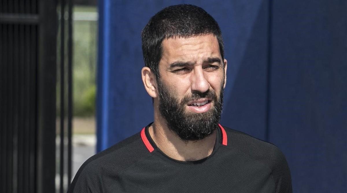 Arda Turan se'n va cedit al futbol turc