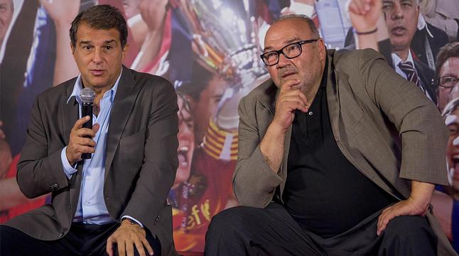 Joan Laporta, amb Joan Oliver, el seu futur director general si guanya les eleccions, en un acte en la seu de la seva candidatura a la presidència del Barça