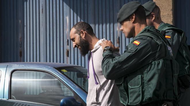 En Coruña y Almeria, los 4 yihadistas detenidos, vinculados con los atentados de París