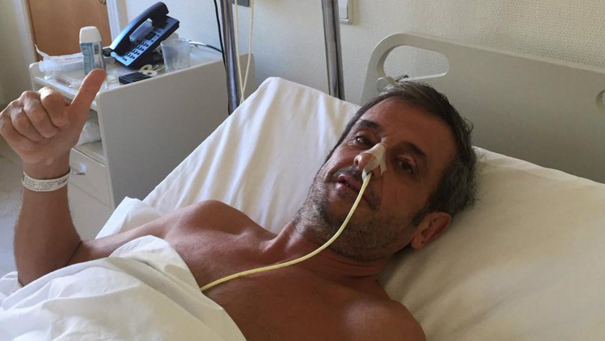 Luis Moya, tras la operación del primer aneurisma, en enero