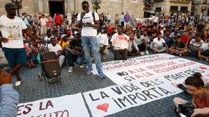 Manifestación de los manteros en Plaza Sant Jaume.