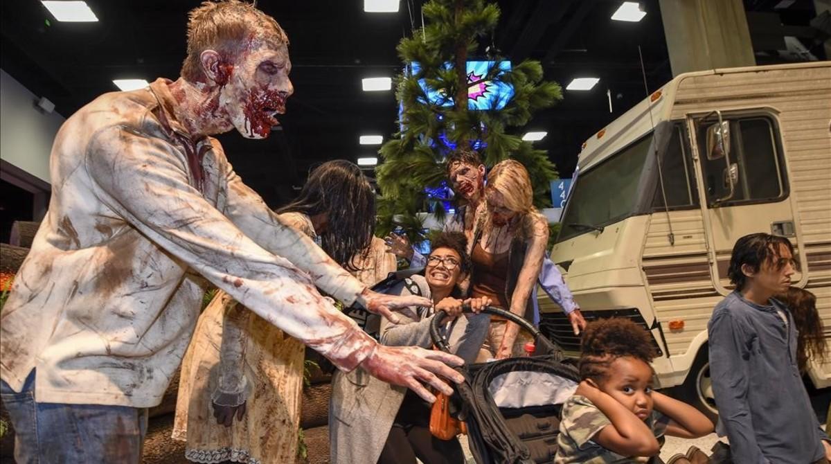 Recreación de la serie 'The walking dead' en unaconcentración de fans celebrada en San Diego.