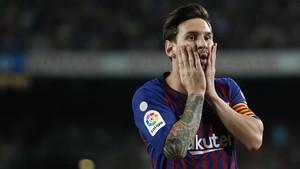 Messi se lamenta de una ocasión fallada ante el Girona en el Camp Nou.