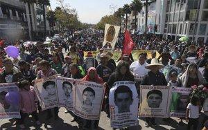 Peregrinación de los familiares de los 43 estudiantes desaparecidos de Ayotzinapa.