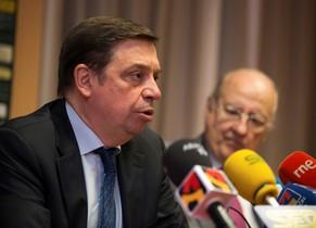 El ministro de Agricultura, Pesca y Alimentación, Luis Planas, durante una rueda de prensa.