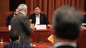 Oriol Junqueras declara ante la comisión de investigación de la cámara catalana sobre la aplicación del articulo 155 de la Constitución. En la foto los diputados de Ciudadanos abandonan la comisión
