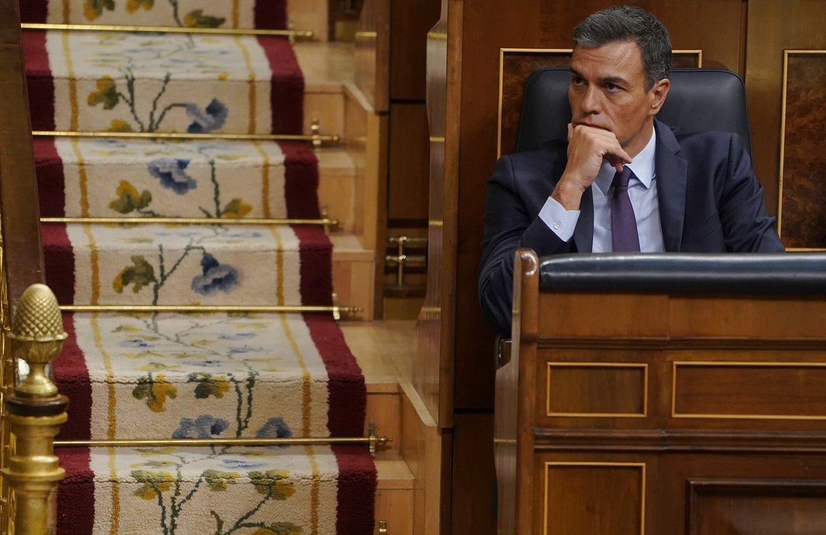 Pedro Sánchez, en su escaño en el Congreso.