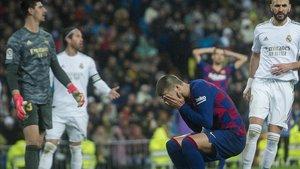 Piqué se lamenta tras el cabezazo que tuvo en los instantes finales para empatar en el Bernabéu.
