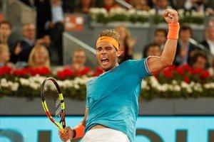Rafa Nadal celebra uno de los puntos ante el estadounidense Tiafoe que lo llevó a cuartos