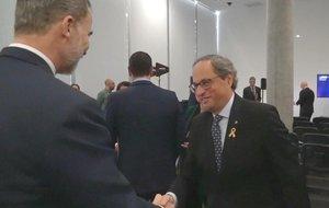 El Rey saluda aQuim Torra en la inauguración del Mobile World Congress, en Barcelona.