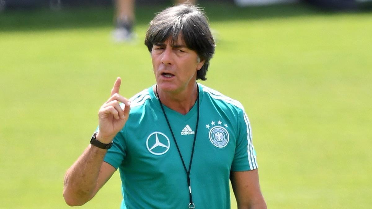 Löw, en un entrenamiento de la selección de Alemania.