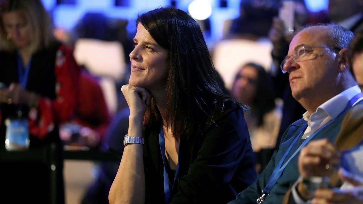 Ruth Beitia, en la inauguración de la convención del PP, el pasado viernes, 18 de enero, en Madrid, junto al líder popular de Extremadura, José Antonio Monago.