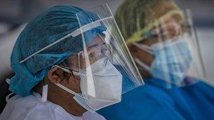 Sanitarios con pantalla de protección.