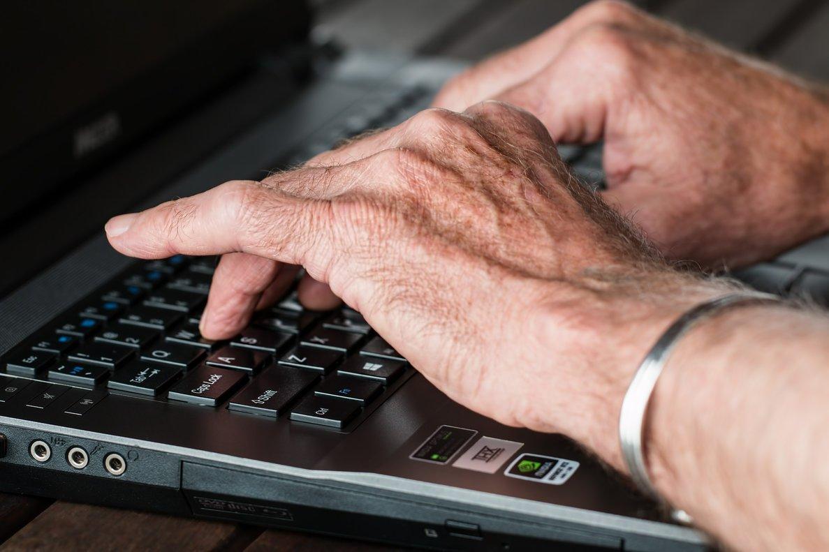 Los trabajadores de mayor edad soportan un desempleo del 38%