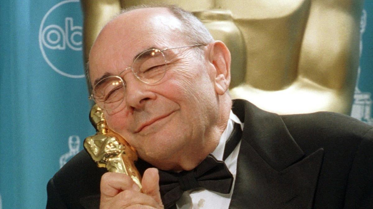 Stanley Donen, con su Oscar honorífico.