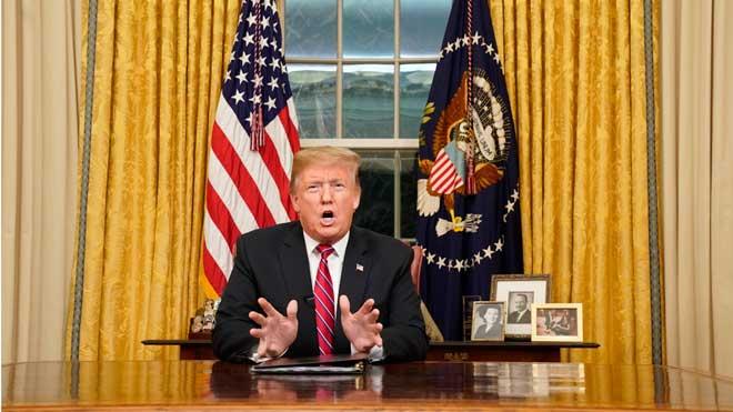 Trump denuncia una crisis humanitaria en la frontera de Estados Unidos para construir el muro.
