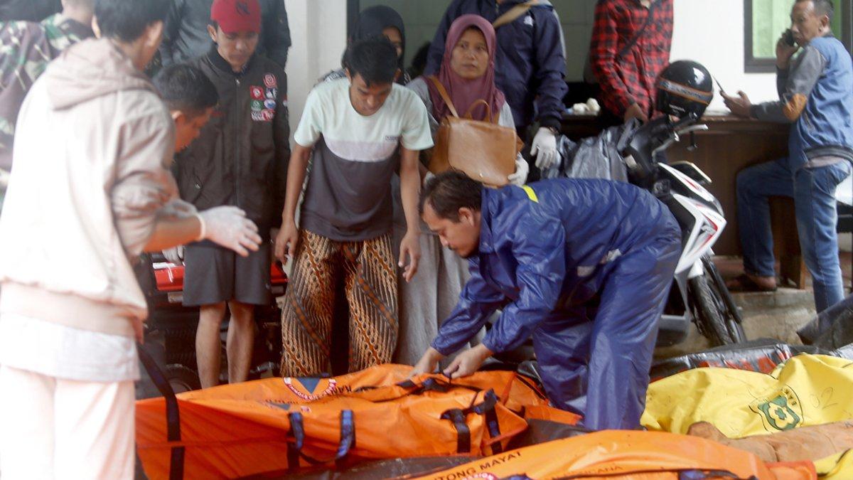 Identificación de víctimas en Pandeglang (Indonesia).