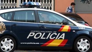 Un vehículo de la Policía Nacional patrullando.