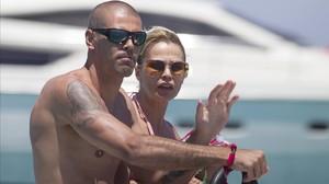 Víctor Valdés y Yolanda Carmona, de vacaciones en Ibiza.