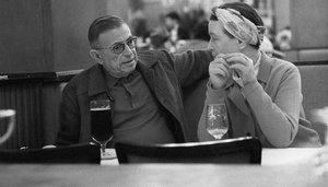 Beauvoir y Sartre, en la 'brasserie' La Coupole de Montparnasse, en 1969.
