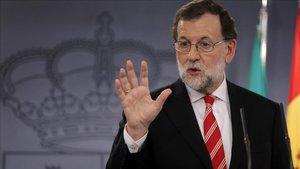 """Rajoy demana un esforç i afirma que un pacte PSOE-Cs donaria una """"majoria sòlida"""""""