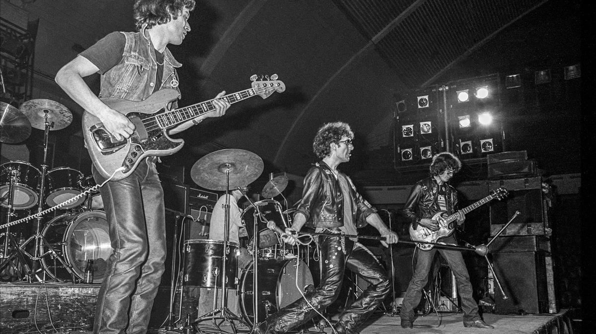 La Banda Trapera del Río, en una actuación de 1979.