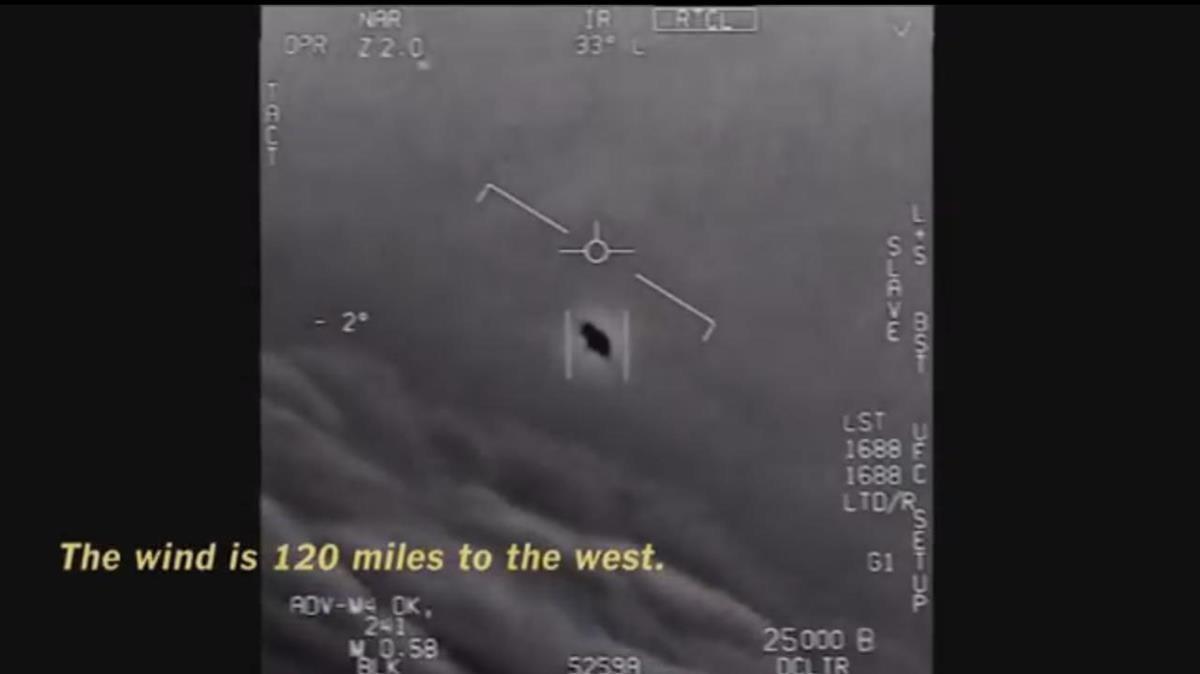 Vídeo en el que los pilotos de EEUU persiguen una flota de ovnis, según sus comunicaciones