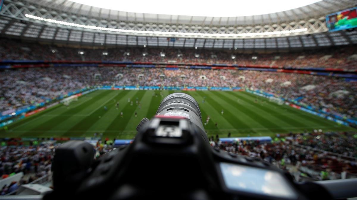 Cámara en el estadio Luzhniki de Moscú, donde se celebró la final del Mundial de fútbol el pasado verano.