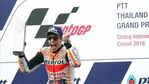 Márquez derrota Dovizioso a l'últim revolt del GP de Tailàndia