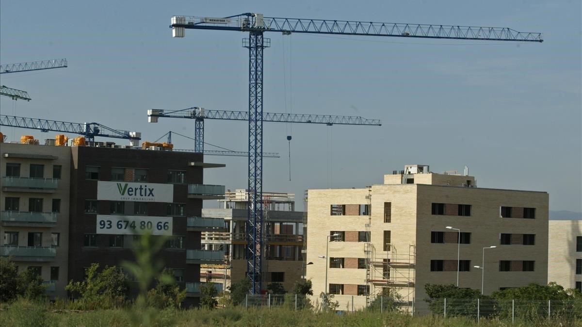 Viviendas en construcción en Sant Cugat del Vallès (Barcelona).