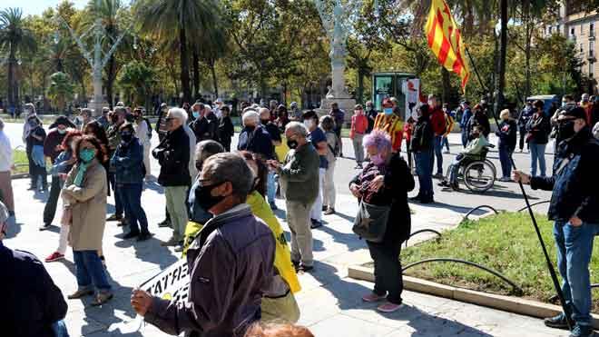 Concentració independentista davant el TSJC en l'aniversari de la vaga del 3-O
