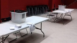 zentauroepp40362700 mesa electoral urna papeletas171001021712